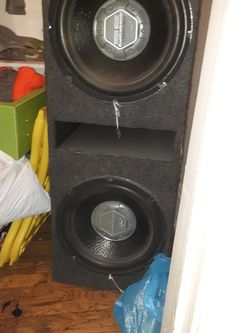 2 12's Autobahn Special Edition Subs Comes With Amp On Side 2000Watts for Sale in Newburgh Heights,  OH