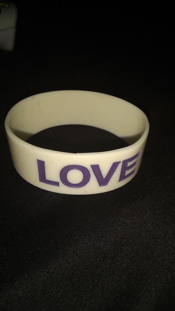 Love wristband