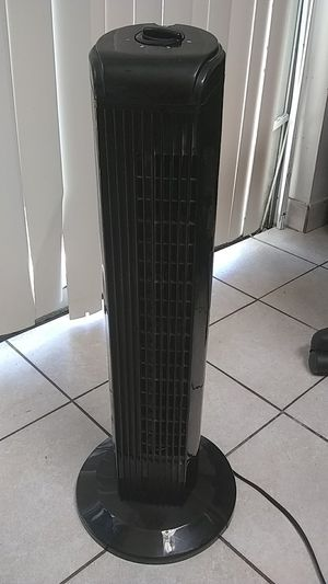 """28"""" Oscillating tower fan for Sale in Doral, FL"""