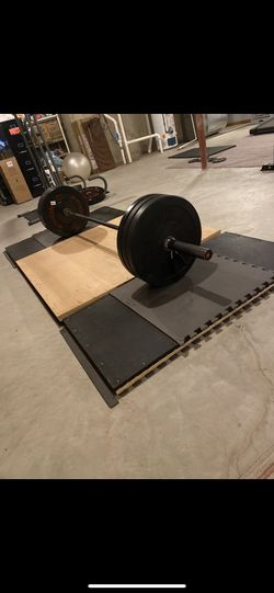 Olympic Barbell -7 Foot for Sale in Bloomingdale, IL