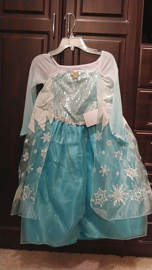 Disney Store Elsa costume size 5 to 6 for Sale in Fort Worth, TX
