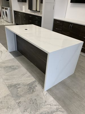 Kitchen cabinets and countertop for Sale in Miami, FL