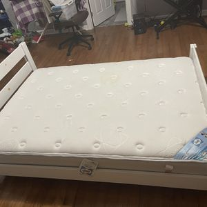 Full Size Bed With Mattress And Bungie Board for Sale in Raleigh, NC