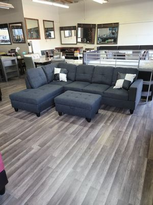 Super hot 🔥 deal new sectional free rug and ottoman for Sale in Sacramento, CA