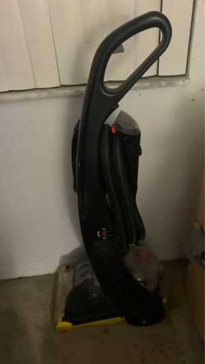 Vaccuum and carpet shampooer for Sale in Homestead, FL