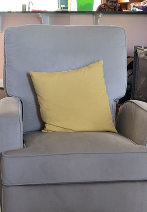 Swivel recliner chair for Sale in Odenton, MD