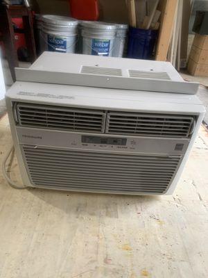 Frigidaire Window Air Conditioner for Sale in Graham, WA