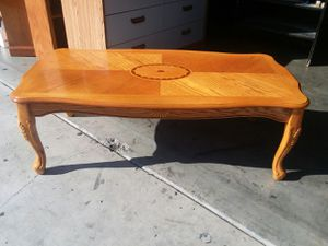 NICE COFFEE TABLE for Sale in Irwindale, CA