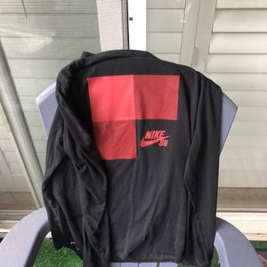 Free Men's Nike Long sleeve for Sale in Anaheim, CA