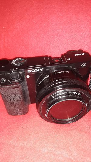SONY ALPHA A6000 MIRRORLESS 24.3 PIXEL DIGITAL CAMERA for Sale in Fresno, CA