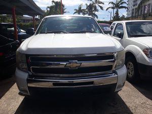 2011 chevy Silverado LT for Sale in Miami, FL