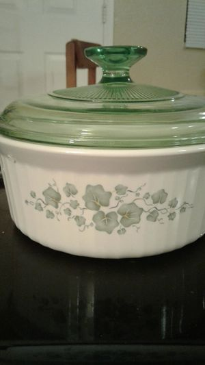 CorningWare Callaway design round covered casserole with limited edition green lid for Sale in Glendale, AZ