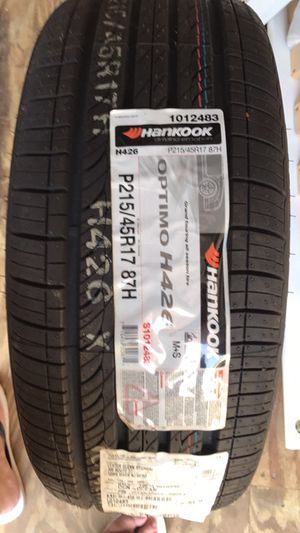 Single tire 40 or best offer for Sale in Jackson, NJ