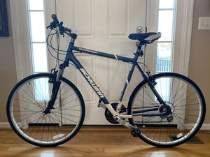"27"" Schwinn SEARCHER 6000 series hybrid bike,. XLframe aluminum for Sale in Haymarket, VA"