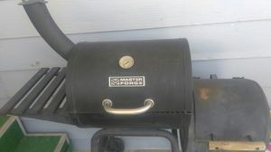 MASTER FORGE BBQ Grill and smoker for Sale in Hemet, CA