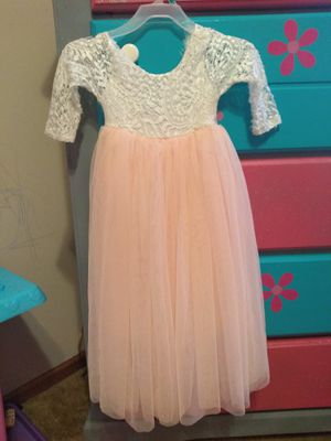 2T-3T all dresses only worn once! for Sale in Merriam, KS