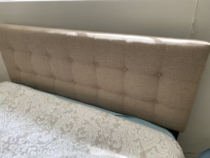 Tufted queen bed and mattress set for Sale in Annandale, VA