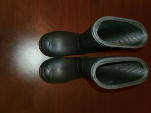 Toddler rain/snow boots (Size 6) for Sale in Wake Forest, NC