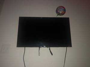 32 inch TCL Roku LED TV with wall mount included for Sale in Nashville, TN