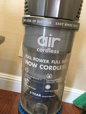 Hoover cordless vacuum for Sale in Fresno, CA