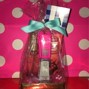 Happy Valentines Day Champagne Apple And Honey Gift Set for Sale in Montebello, CA