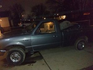 1998 Ford ranger caja larga *156*** titulo en mano for Sale in Indianapolis, IN