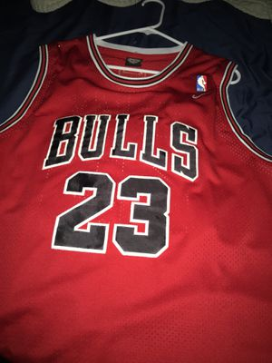 Bulls jersey for Sale in Fresno, CA