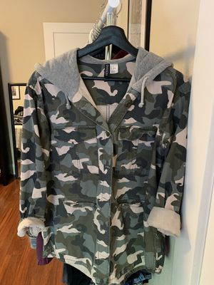 H&M Camo Hoodie Jacket for Sale in Palo Alto, CA