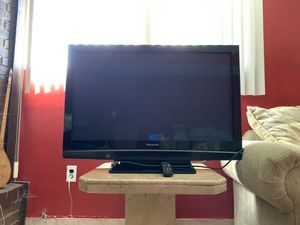 42 Inch Panasonic Plasma TV Like New! for Sale in Sterling Heights, MI