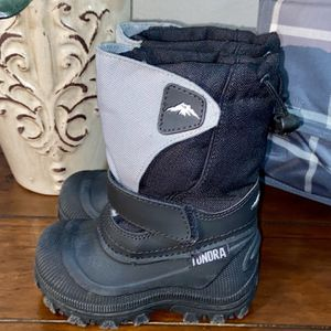 Toddler Tundra Snow Boots Worn Once Size 7 for Sale in Rancho Cucamonga, CA