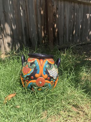 Small Flower Pot for Sale in Dinuba, CA