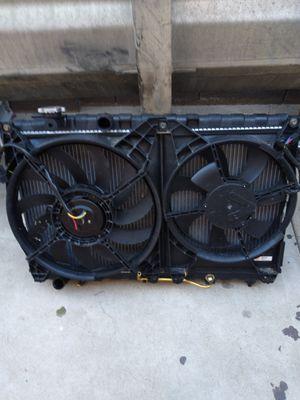 2004 Hyundai Sonata - Radiator Cooling Fan for Sale in Glendale, AZ
