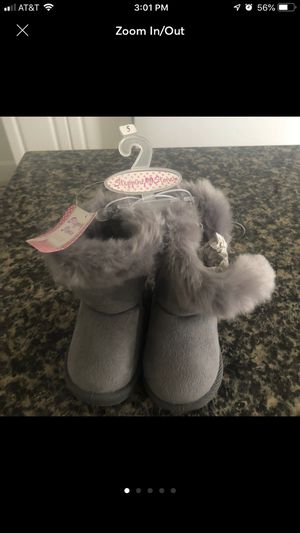 NEW!! Stepping stones baby girl grey boots for Sale in Kissimmee, FL