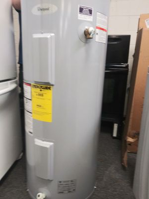 Demo model electric hot water heater for Sale in Fort Mill, SC