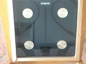 Bathroom scale renpho for Sale in Las Vegas, NV