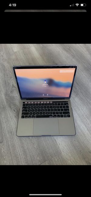 13 Inch MacBook Pro w/ Touch Bar - i5 64MB - 8GB Ram - 256GB SSD (2017) for Sale in Riverview, FL