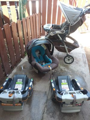 Chicco stroller car seat and base for Sale in Phoenix, AZ
