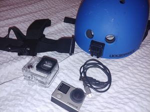 Go pro hero 4 black with accessories for Sale in Dickinson, TX