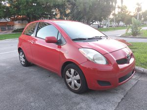 Toyota yaris 2009 for Sale in North Miami Beach, FL