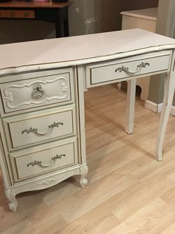 French Provincial Desk Or Vanity for Sale in Woodburn,  OR