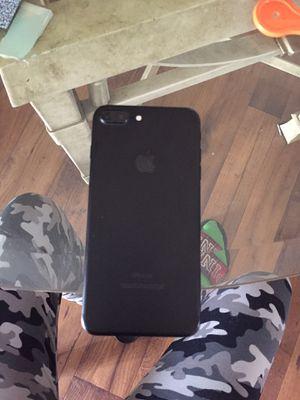iPhone 7 Plus for Sale in Broxton, GA