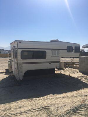 Cabover Camper 8' for Sale in Rialto, CA