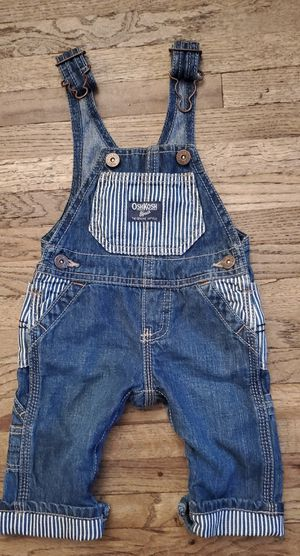 OSHKOSH B'GOSH DENIM BIB OVERALLS INFANT ( 3 MONTHS ) PRE-OWNED IN GOOD CONDITION for Sale in Compton, CA