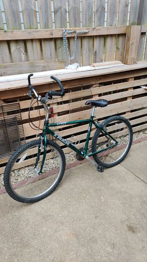 TREK 820 MOUNTAIN TRACK LIKE NEW for Sale in North Ridgeville, OH