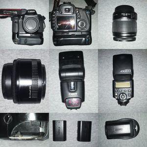 Canon 7D bundle (flash, batteries, charger, 2 lenses) for Sale in Philadelphia, PA