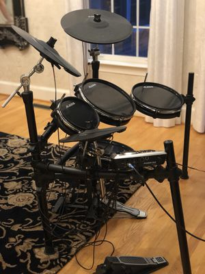 Alesia dm8 prokit 8-piece Electronic Drum kit for Sale in Alexandria, VA