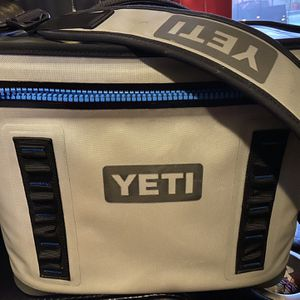 YETI Hopper Flip 18 Soft Cooler- New for Sale in Gilbert, AZ