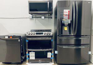 LG appliance kitchen set for Sale in Altamonte Springs, FL