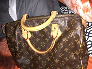 Louis Vuitton authentic for Sale in Silver Spring, MD