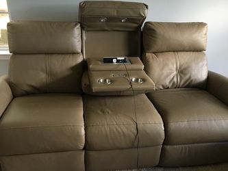 "83"" Havertys Performance Leather Sofa for Sale in Tampa,  FL"
